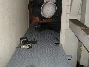 落下防止床設置工事
