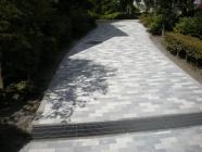 エントランス前歩道の改修工事